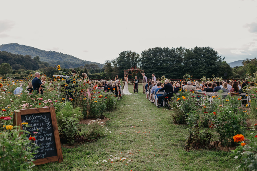 43-Hidden-River-Events-Wedding-Asheville-Wedding-Photographer-Wedding-RIvkah-Fine-Art-Photography-Mountain-Wedding-Carolina-Weddings-1024×683